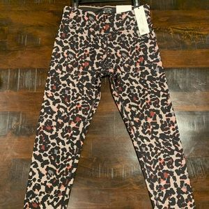 🔥Calvin Klein Performance Animal Print Leggings